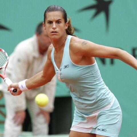 Amélie Mauresmo éliminée dès le 2e tour de Roland-Garros