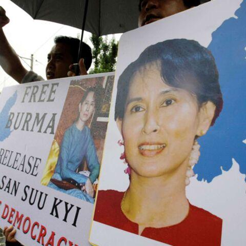 Aung San Suu Kyi, le silence 18 mois de plus