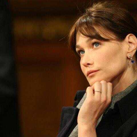 Carla Bruni-Sarkozy ne goûte pas les «plaisanteries» de Berlusconi