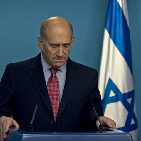 Ehud OImert inculpé pour corruption