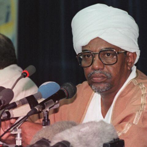 Omar el-Bechir accusé de génocide