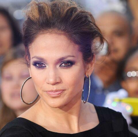 Jennifer Lopez remet Louboutins pour le réveillon