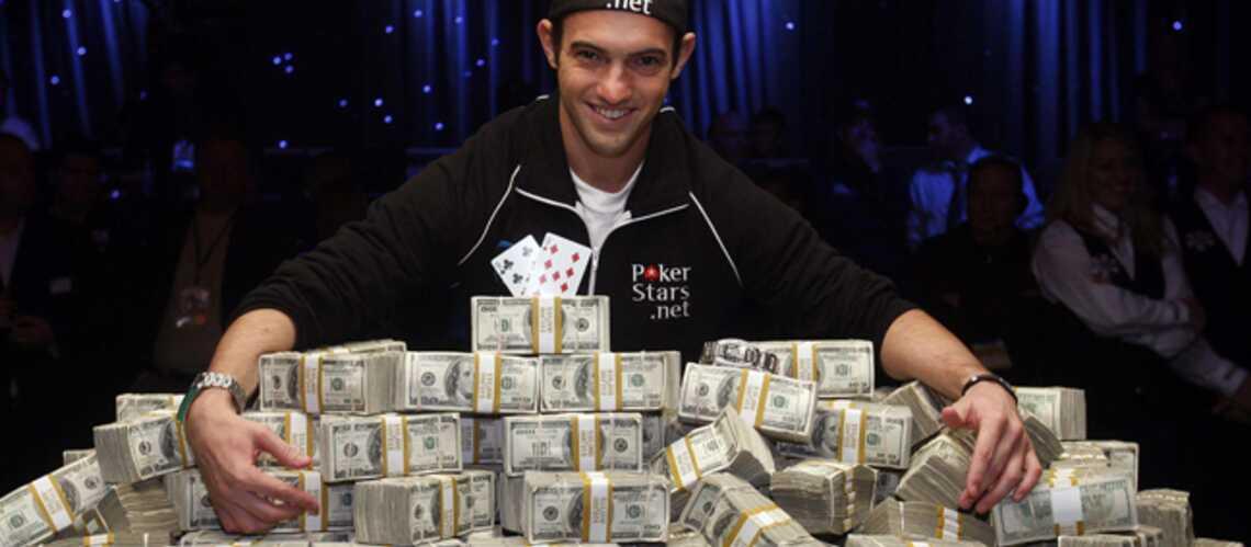 Poker: un gamin bluffant remporte la coupe du monde!