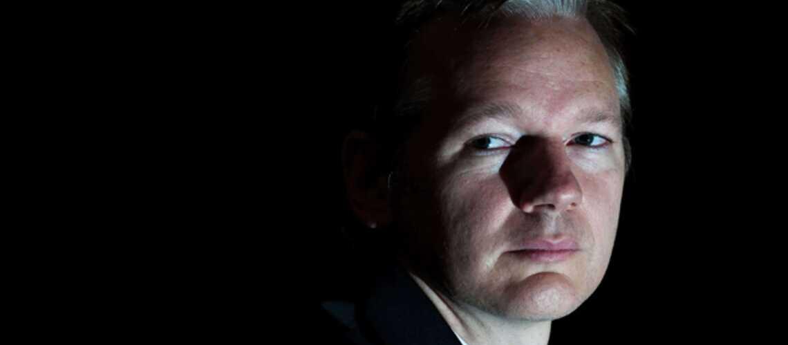 Julian Assange, auréolé par Le Monde