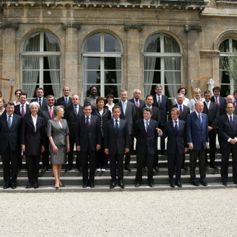 Sarkozy impose sa ligne de conduite au gouvernement Fillon V