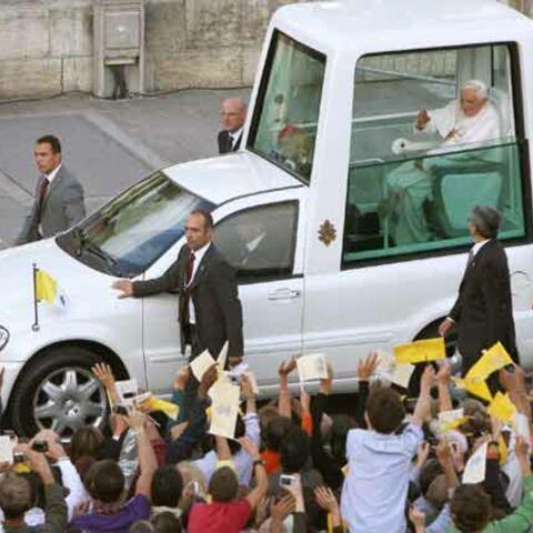Le pape est à Lourdes