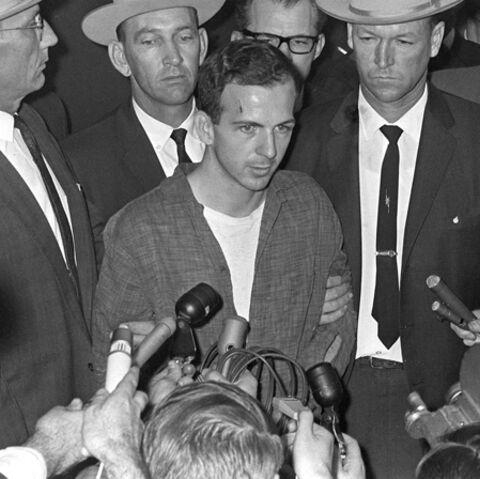 La première bière de Lee Harvey Oswald fait des ravages
