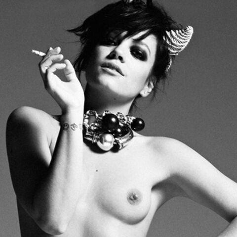 Lily Allen seins nus et brûlante!