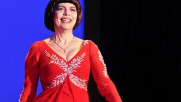 Mireille Mathieu, décorée pour «son courage et sa vaillance»