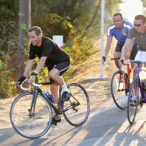 En vacances, Nicolas Sarkozy grimpe dans les sondages