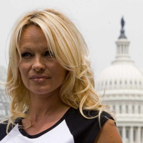 Pamela Anderson s'en prend de nouveau à la chaîne KFC