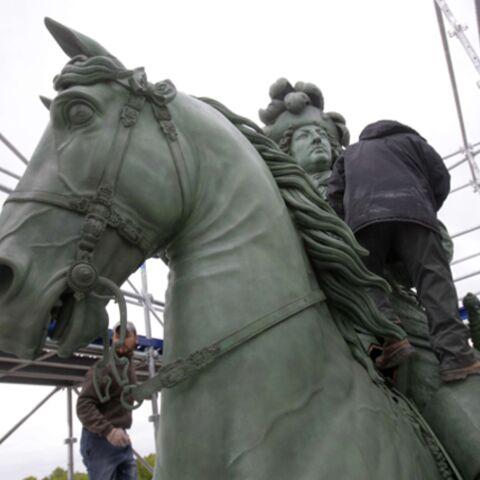 Louis XIV va mieux, il est rentré à Versailles à cheval