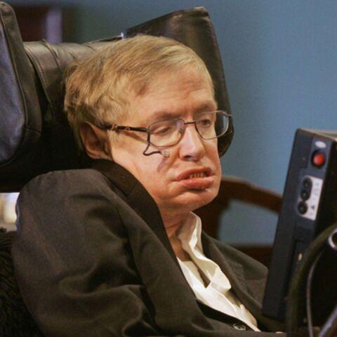 L'astrophysicien Stephen Hawking hospitalisé