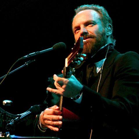Sting chante pour une dictature