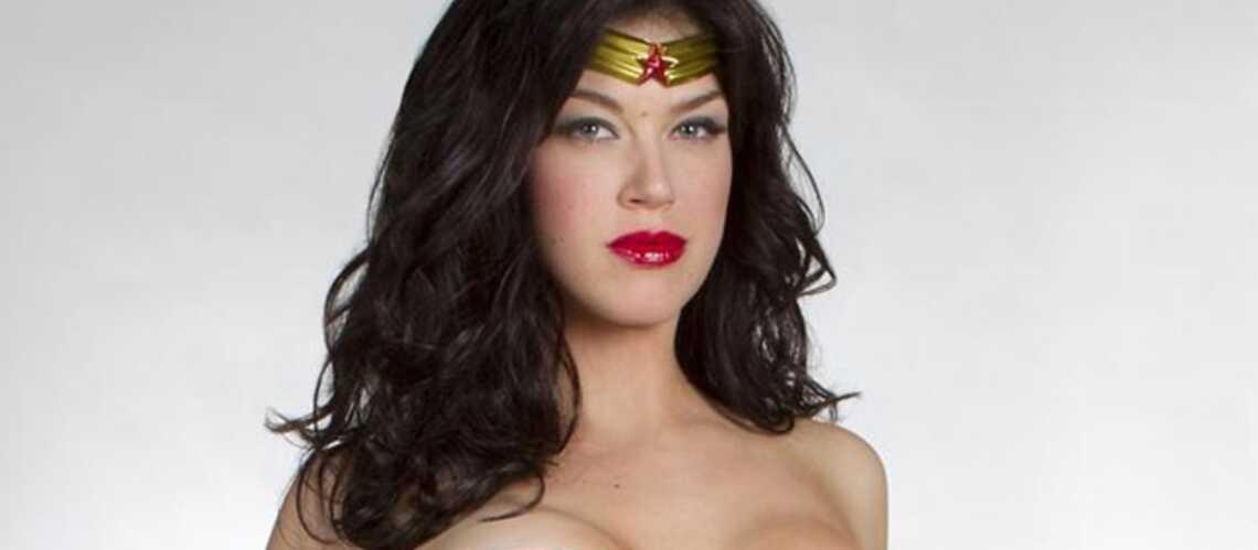 Wonder Woman se fait tailler un short