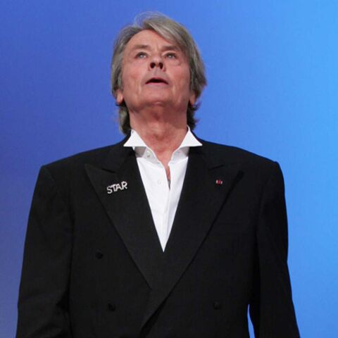 Alain Delon ne touche plus terre