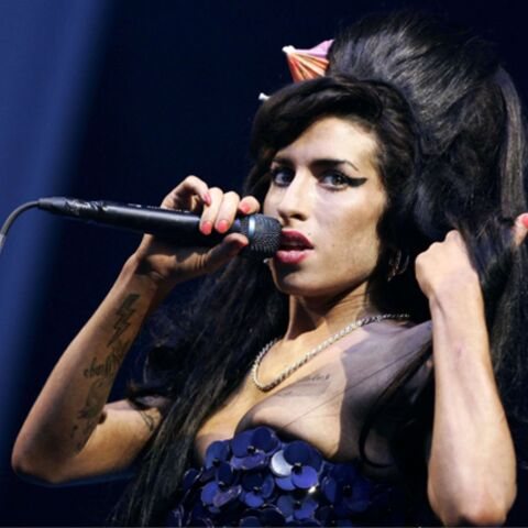 Amy Winehouse se frite avec un fan