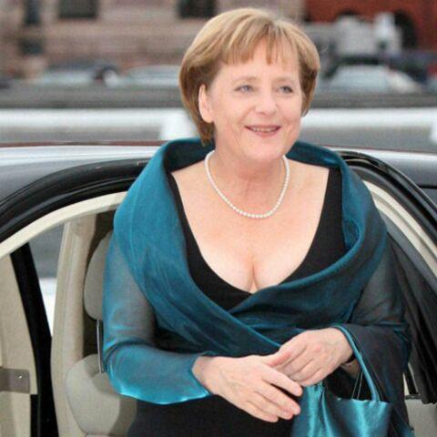 Le décolleté d'Angela Merkel met les Allemands en émoi