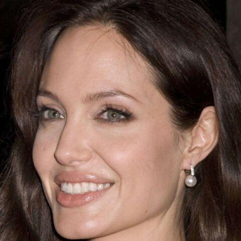 Angelina Jolie allaite à la Une d'un magazine américain