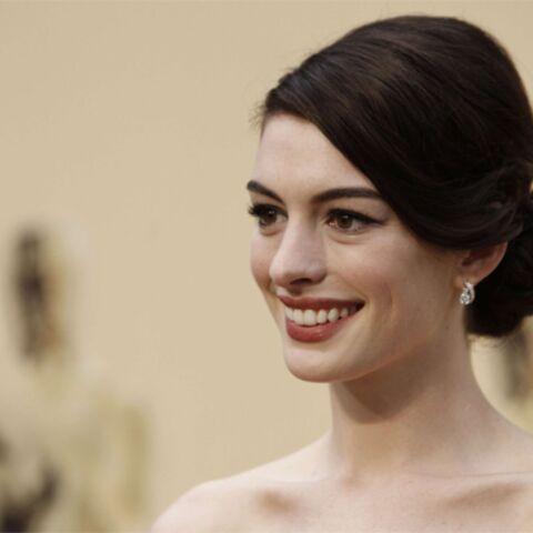 Anne Hathaway va incarner Judy Garland