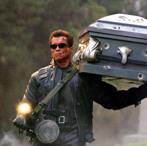 Arnold Schwarzenegger exhume Terminator