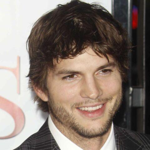 Ashton Kutcher se préfère imberbe