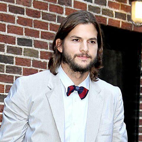 Ashton Kutcher préfère être nu