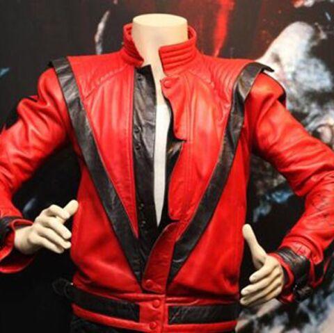 Michael Jackson: son blouson de Thriller vendu aux enchères
