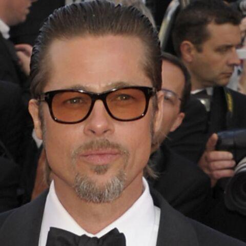 Brad Pitt chercherait à soudoyer Jennifer Aniston