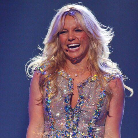 Moby range Britney Spears dans un caddie
