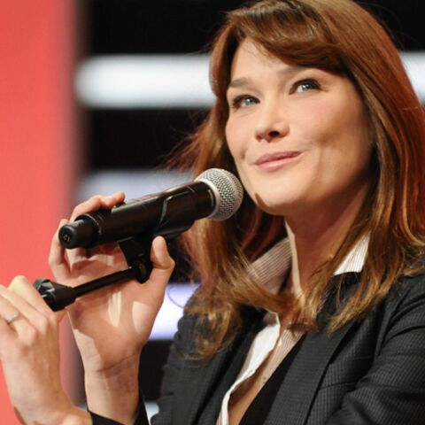 New York attend la chanteuse Carla Bruni-Sarkozy