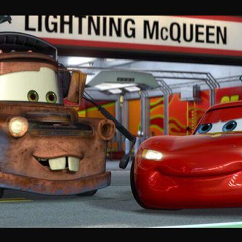 Cars 2: Pixar fête ses 25 ans sur les chapeaux de roue!