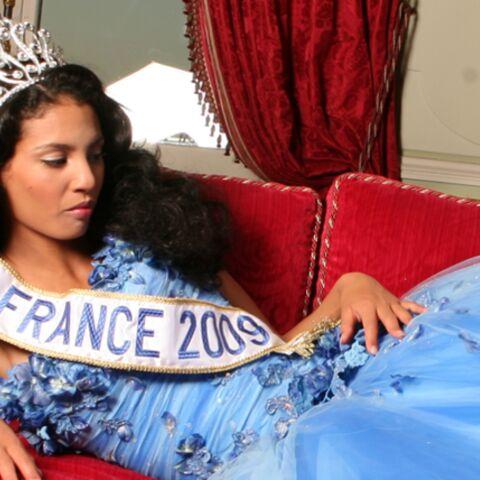 La Miss France 2009 Chloé Mortaud répond aux attaques