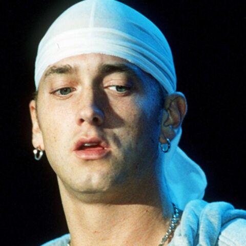 Eminem se fait remonter les bretelles par maman