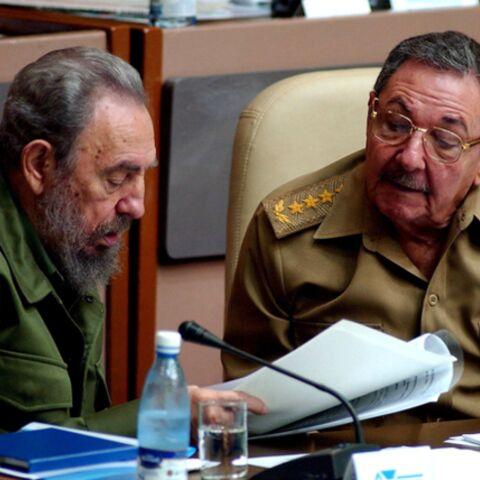 Fidel et Raul Castro se disputent la diplomatie cubaine