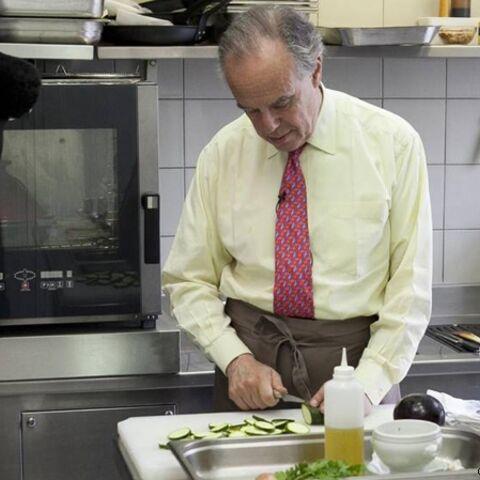 Frédéric Mitterrand participera à Un dîner presque parfait sur M6