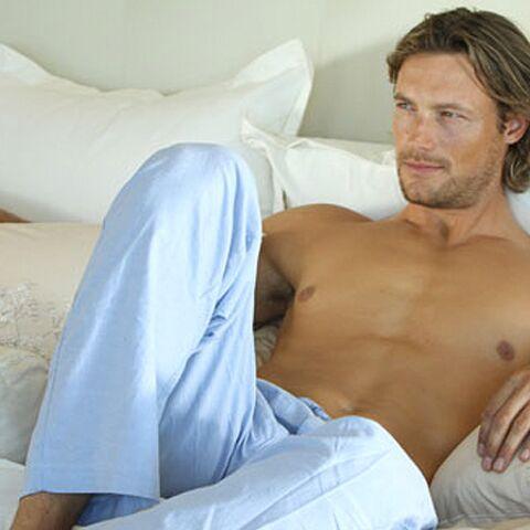 Sexy: Gabriel Aubry vous invite au lit!