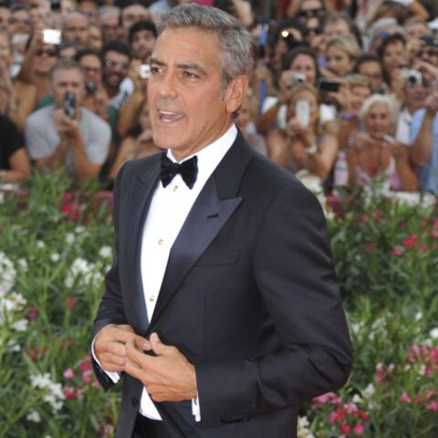 George Clooney fait le pitre à la Mostra de Venise