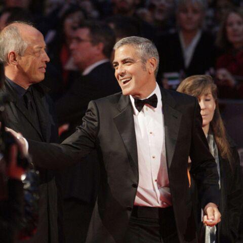 George Clooney crée l'événement à Londres