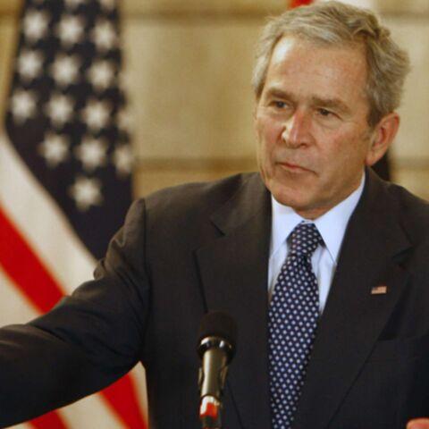 George W. Bush victime d'une «offensive» à la chaussure…
