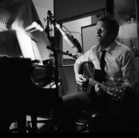 VIDEO- Hugh Laurie: le blues du médecin
