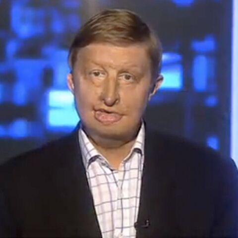 Regardez- Un présentateur au visage brûlé à l'antenne de Channel 5