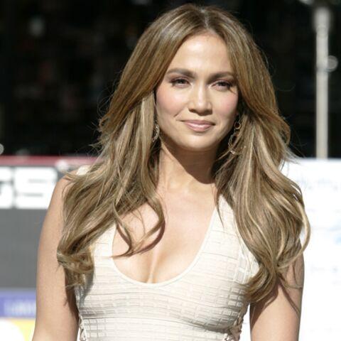 Jennifer Lopez craque (son pantalon)