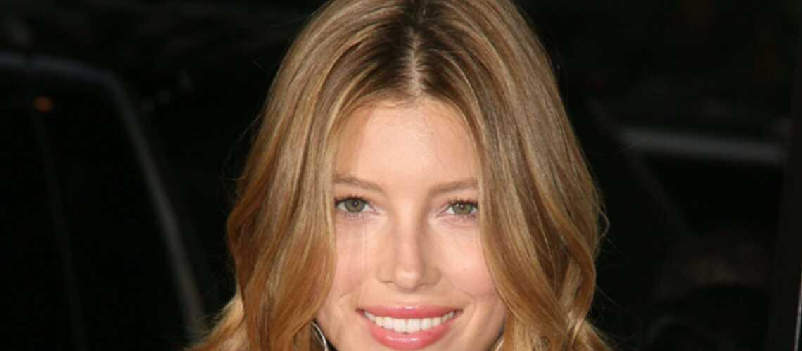 PHOTOS – Jessica Biel a exigé la coupe de cheveux «de Charlotte Gainsbourg»