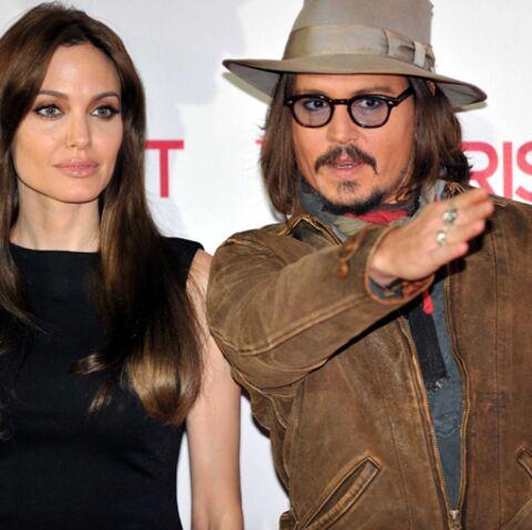 Johnny Depp met Brad Pitt à crocs