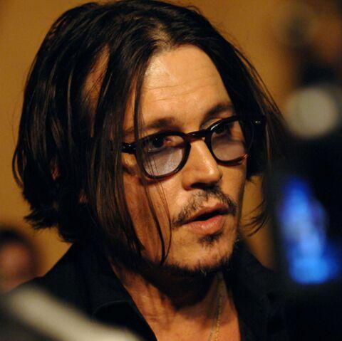 Johnny Depp plus sexy que Robert Pattinson!