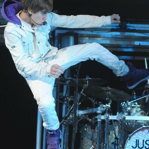 Video-Justin Bieber tape sur tout ce qui bouge