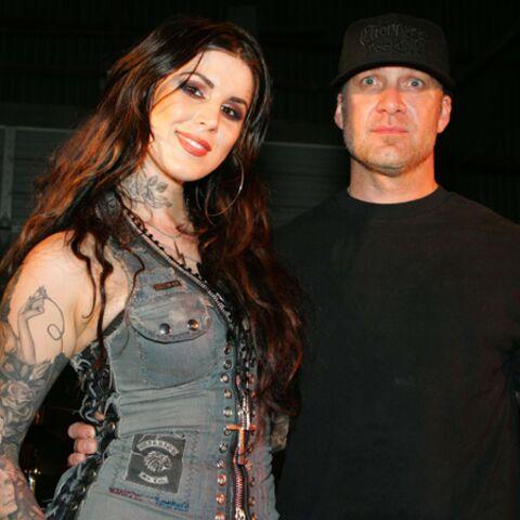 Jesse James: l'ex de Sandra Bullock avec une autre fille tatouée