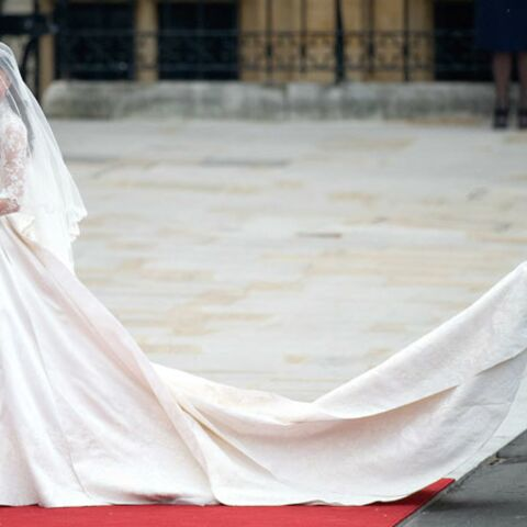 Copie Kate: les dessous de la robe de la duchesse de Cambridge