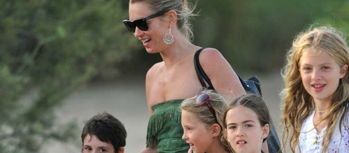 Kate Moss: vacances en famille à Saint Tropez
